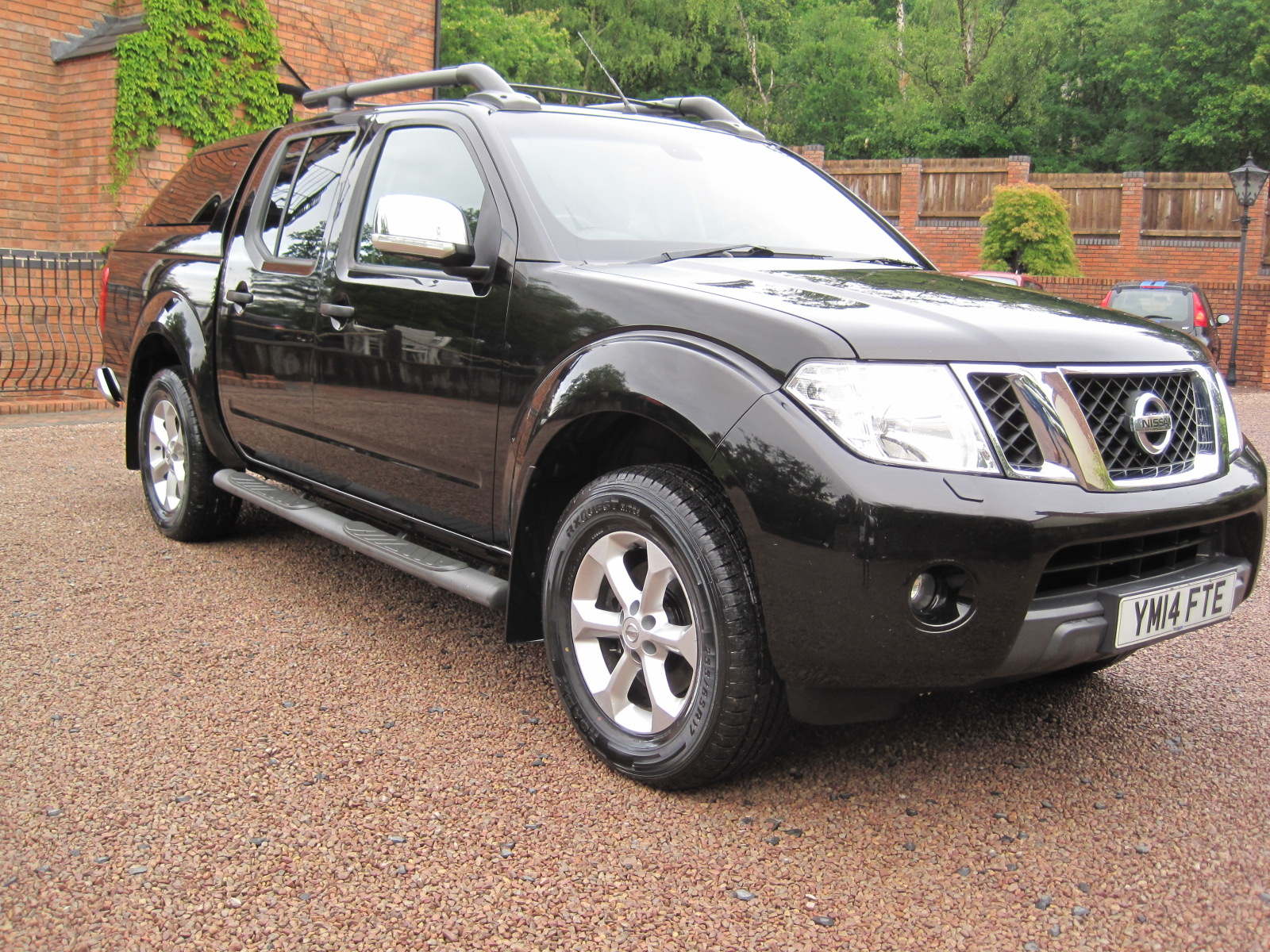2014 14 Nissan Navara 2.5 dCi Tekna Double Cab Pickup 4dr ABSOLUTELY PRISTINE CONDITION! NO VAT! ONLY USED AS A CAR!
