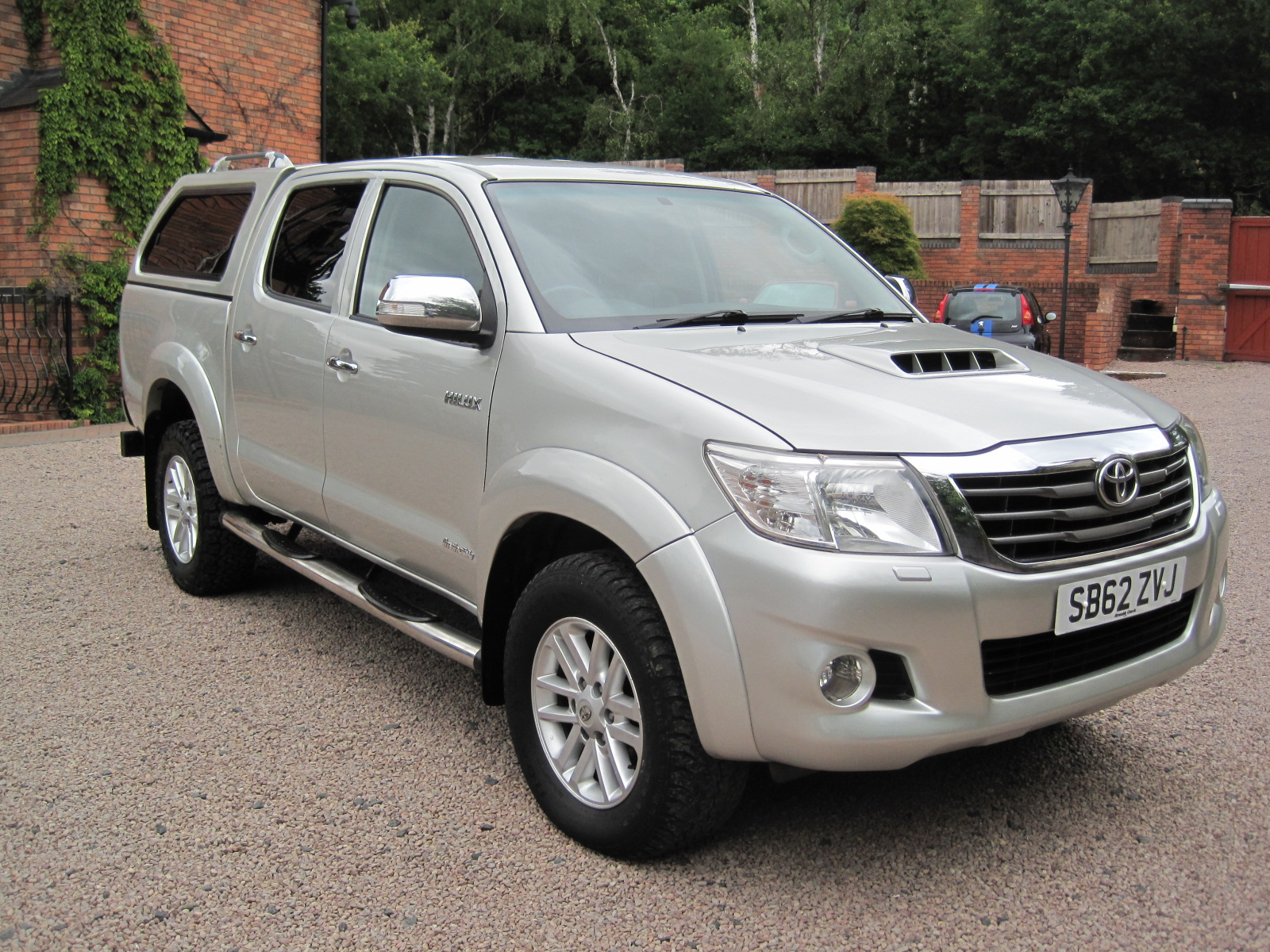 2012 62 Toyota Hilux 3.0 D-4D Invincible Double Cab 4WD 1 Previous Owner! ABSOLUTELY PRISTINE CONDITION! PLUS VAT!