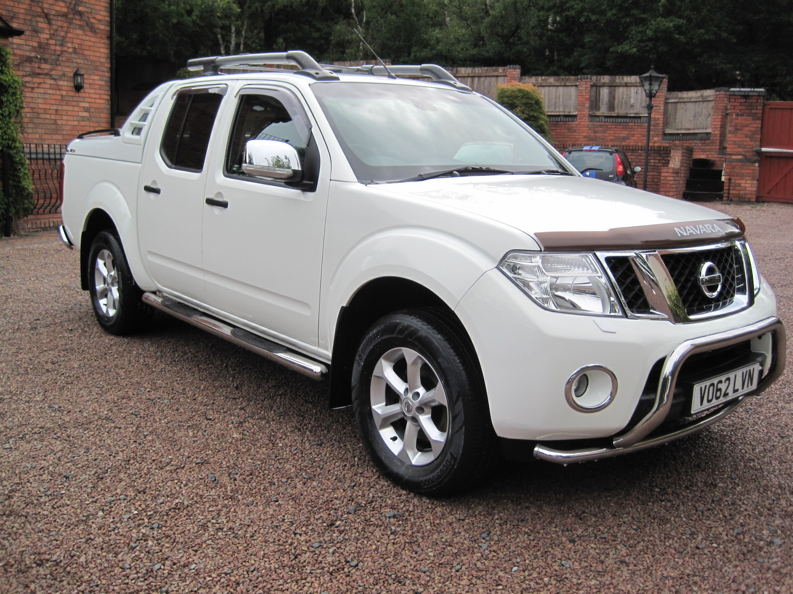 2012 62 Nissan Navara 2.5 dCi Tekna Premium Connect Double Cab ABSOLUTELY PRISTINE! ONLY USED AS A CAR! LOW MILES NO VAT!
