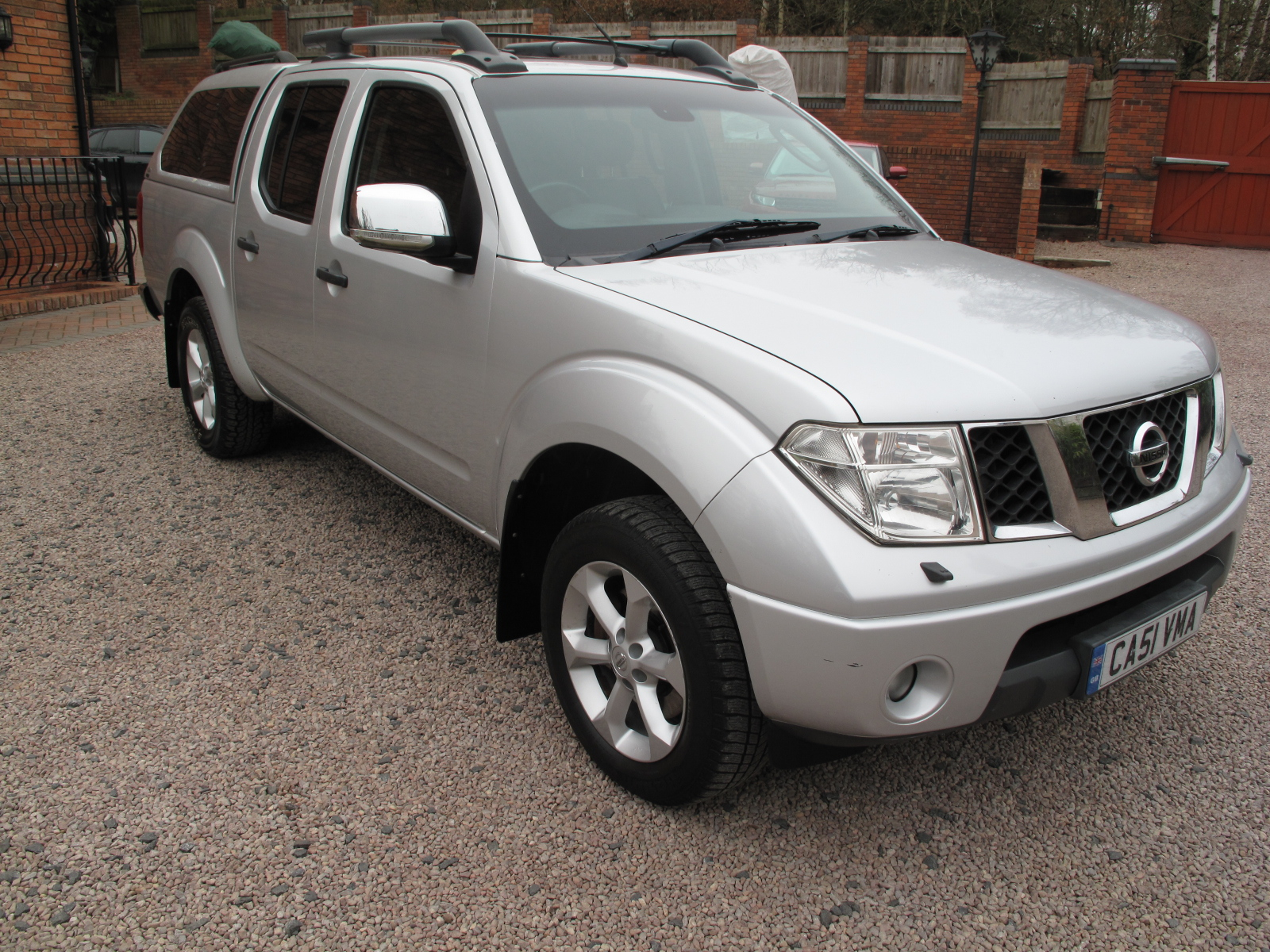 2010 Nissan Navara 2.5 dCi Tekna Double Cab Pickup 4dr 1 previous Lady Owner, only used as a car! EXCELLENT CONDITION NO VAT! SOLD!