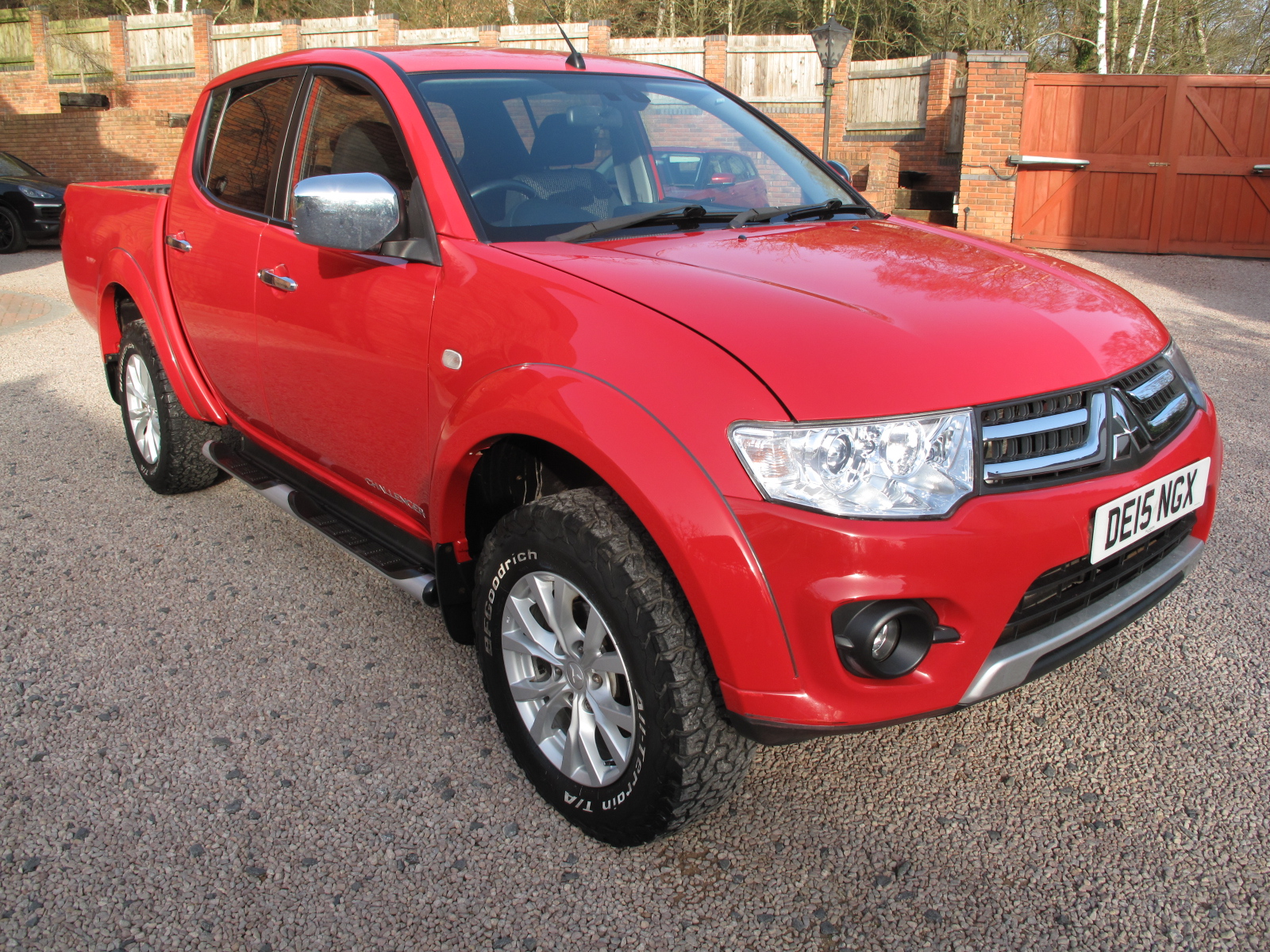2015 15 Mitsubishi L200 2.5 DI-D CR Challenger Double Cab Pickup 4WD STUNNING TRUCK THROUGHOUT! ONLY 1 OWNER! NO VAT!