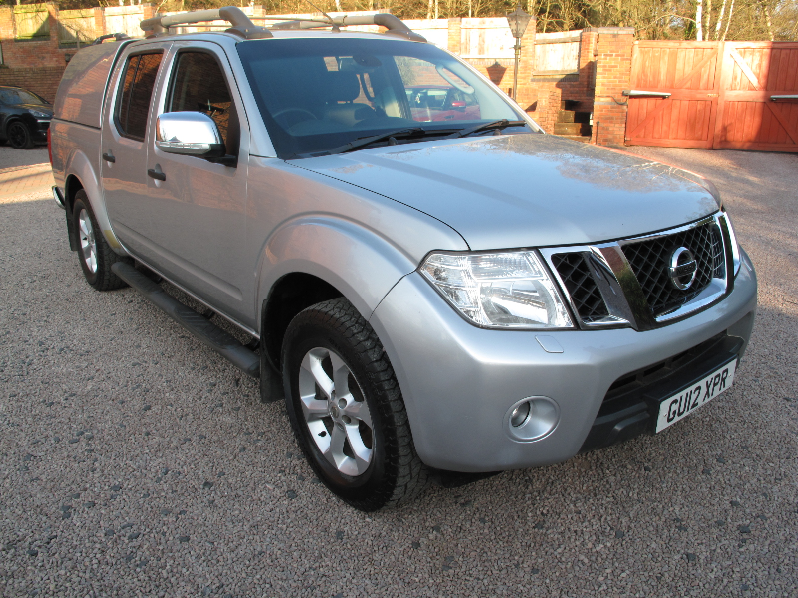 2012 12 Nissan Navara 2.5 dCi Tekna Premium Connect Double Cab Pickup, ONLY USED AS A CAR! TOP OF THE RANGE! PRISTINE! NO VAT!