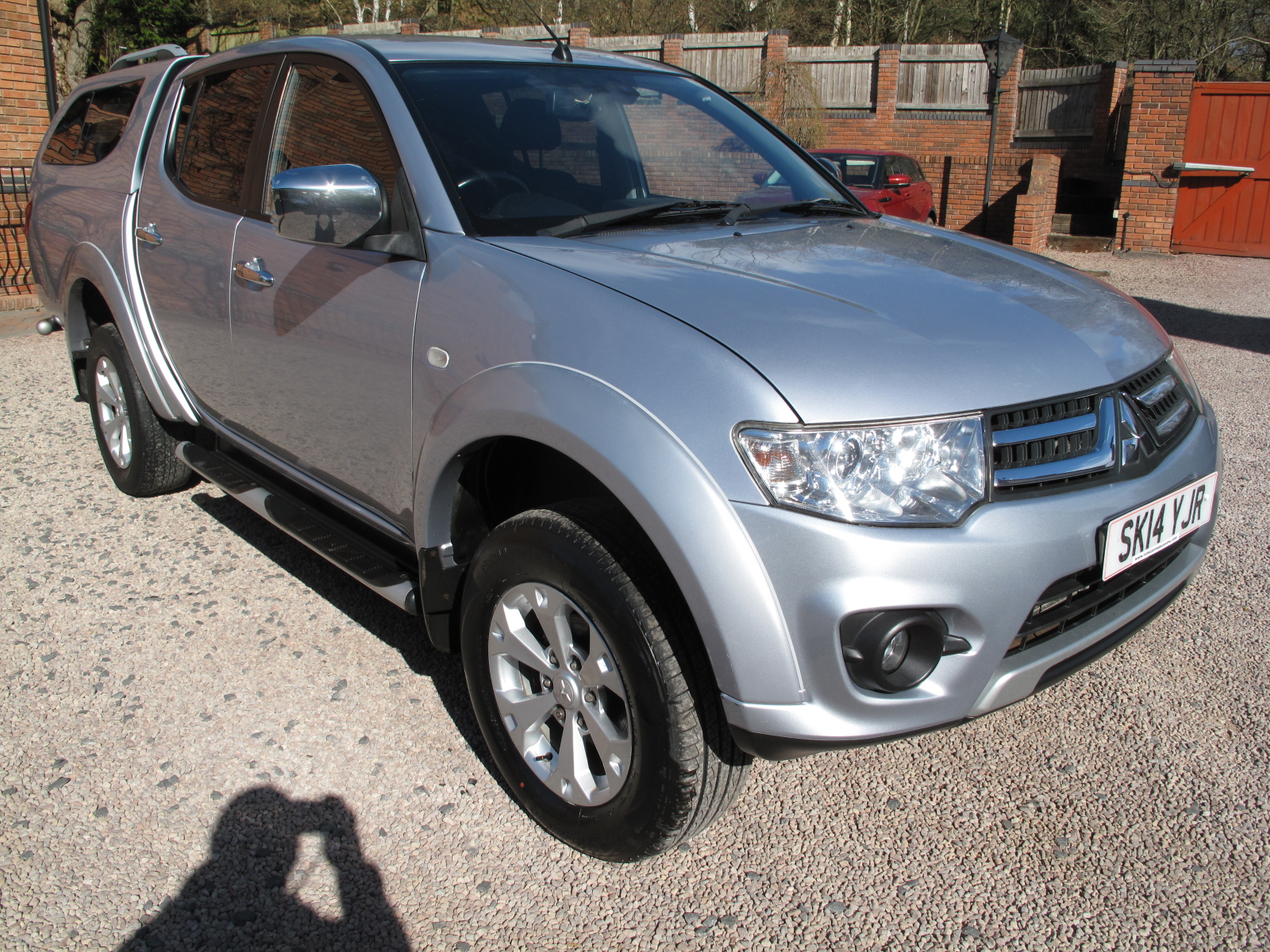 2014 14 Mitsubishi L200 2.5 DI-D CR Warrior 2 176 LB Double Cab Pickup 4WD ABSOLUTELY PRISTINE CONDITION THROUGHOUT! NO VAT!
