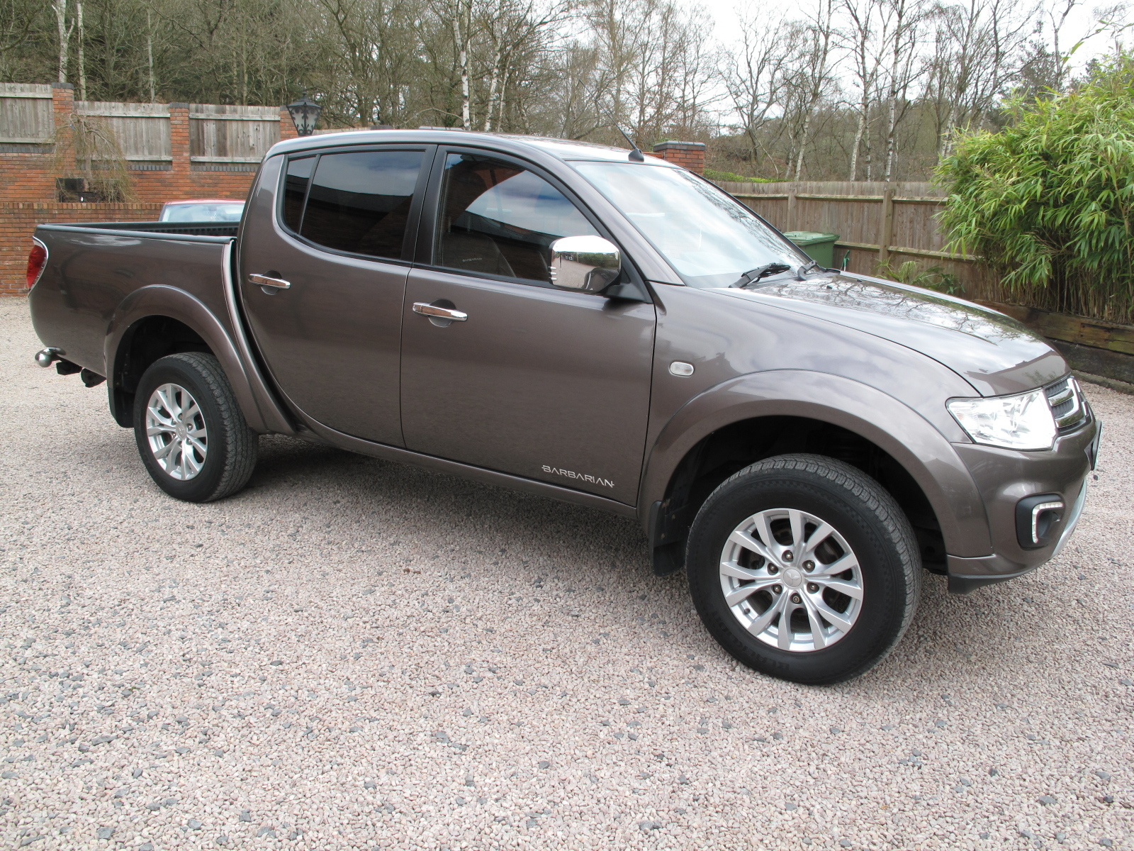 2014 64 Mitsubishi L200 2.5 DI-D CR Barbarian 176 LBDouble Cab Pickup 4WD ABSOLUTELY PRISTINE! ONLY USED AS A CAR! LOW MILES! NO VAT! full