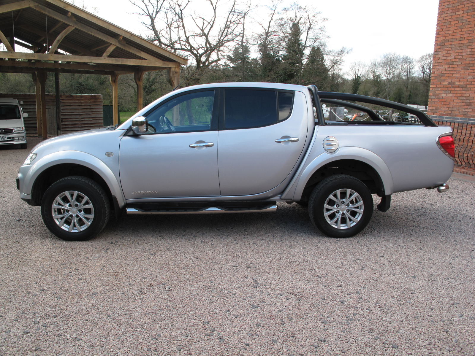 2014 64 Mitsubishi L200 2.5 DI-D CR Barbarian Double Cab Pickup 4WD TOP OF THE RANGE! ONLY USED AS A CAR! IMMACULATE! NO VAT! full