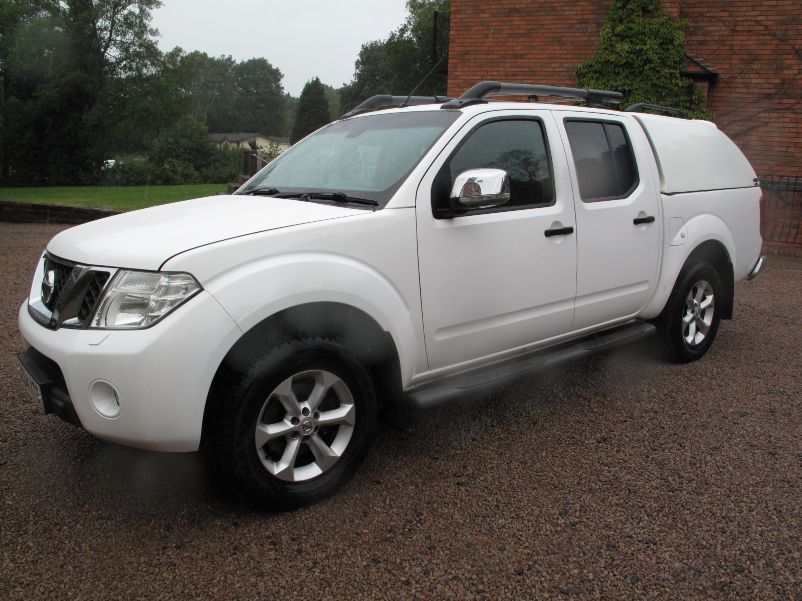 2014 64 Nissan Navara 2.5 dCi Tekna Double Cab Pickup 4WD 4dr TOP OF THE RANGE ABSOLUTELY IMMACULATE CONDITION! NO VAT! full