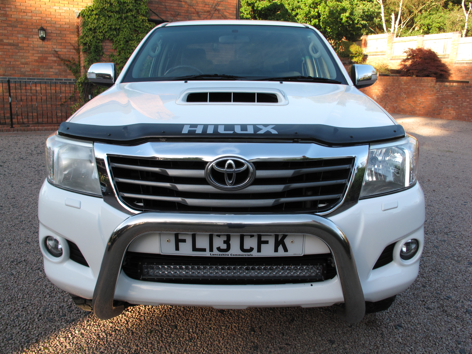 2013 13 Toyota Hilux 3.0 D-4D Invincible Double Cab Pickup 4dr ABSOLUTELY STUNNING TRUCK! NO VAT  TOP OF THE RANGE! NO VAT! full
