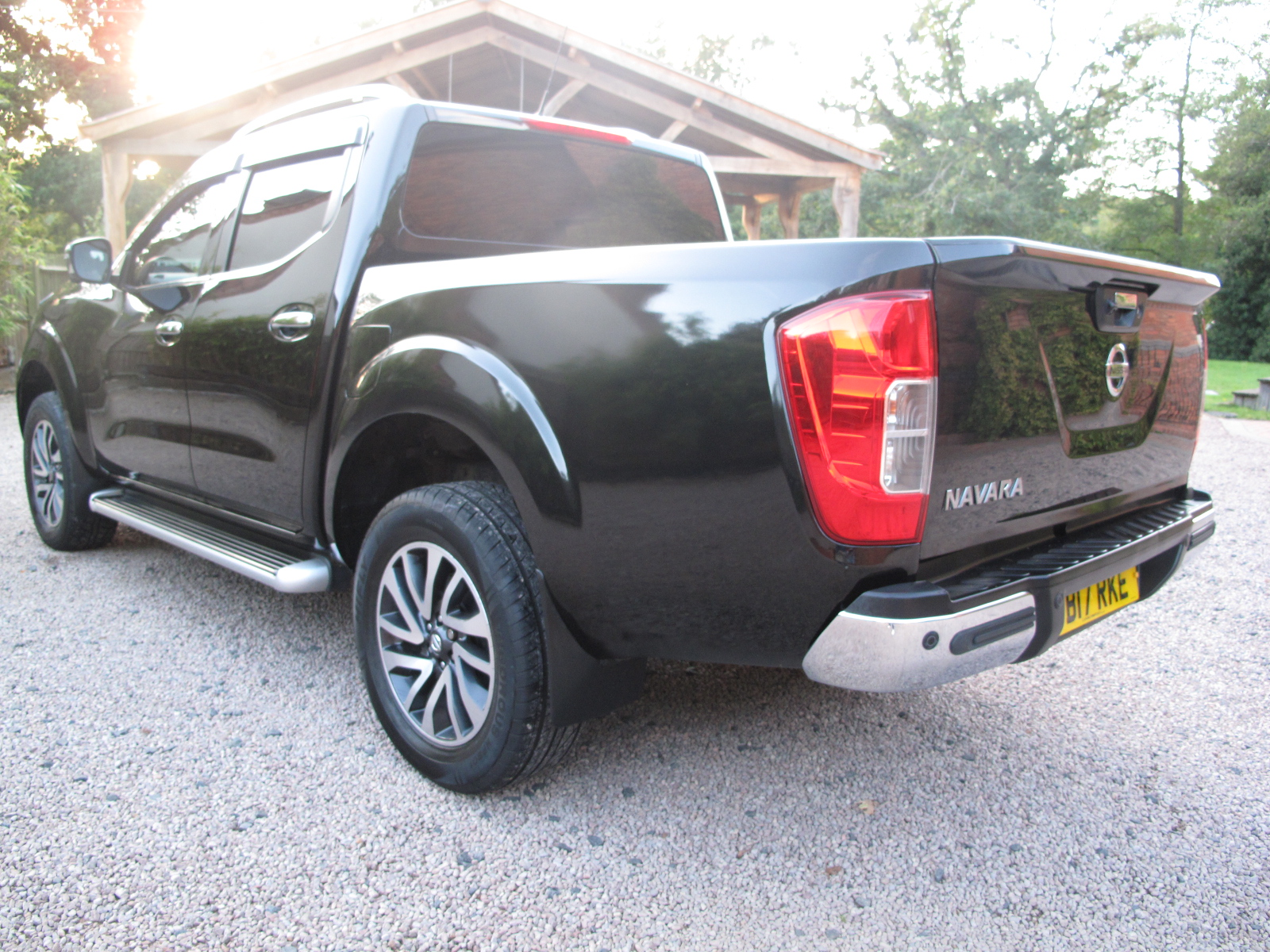 2017 17 Nissan Navara 2.3 dCi Tekna Double Cab Pickup 4WD (s/s) 4dr ABSOLUTELY STUNNING TRUCK! NO VAT! SOLD! full