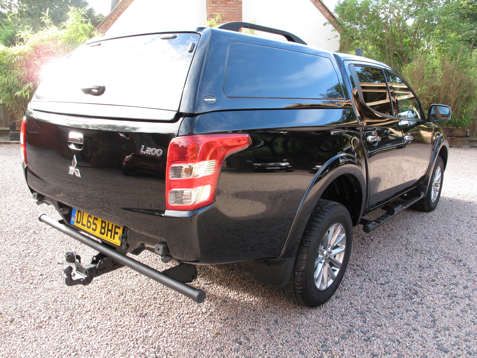 2015 65 Mitsubishi L200 2.4 DI-D DC Titan 4WD 4dr ABSOLUTELY PRISTINE CONDITION THROUGHOUT! ONLY USED AS A CAR! NO VAT! SOLD! full